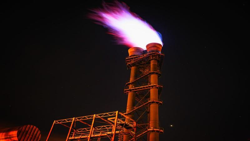 Examining the impact of natural gas use on Indian economy and environment