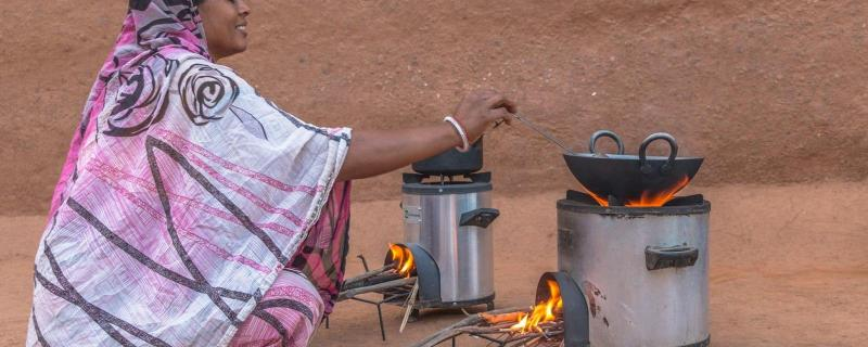 Promoting improved cookstoves can benefit rural households